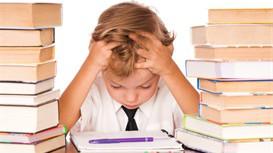 学龄期儿童要注意培养社会交往能力