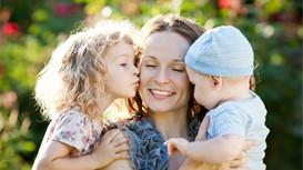 怎样让孩子适应妈妈上班前的分离?