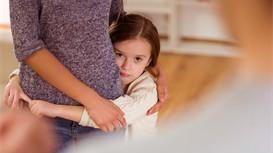 如何培养宝宝独自入睡?