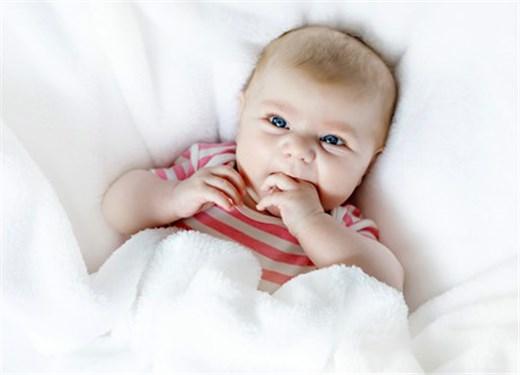 这种灯光,宝宝在的时候千万别开,否则后悔一辈子!