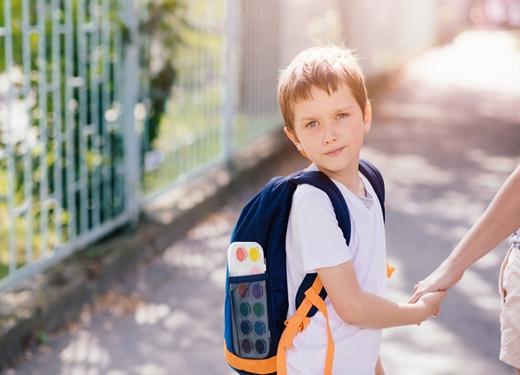过完春节孩子不愿睡觉不愿上学,90%是得了春节综合征!