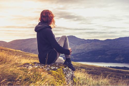 寂寞太久会让你哪落下病痛