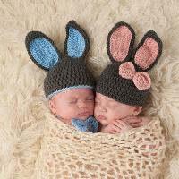 """第2个月 宝宝发育情况 能发出""""咯咯""""、""""咕咕""""的声音"""