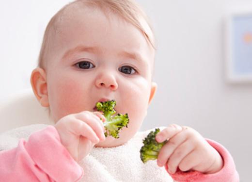如何让宝宝爱上小饭桌?
