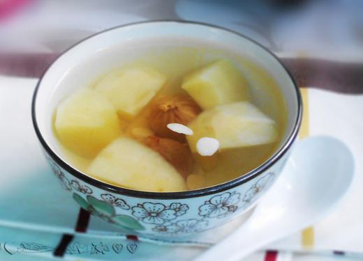 杏仁苹果瘦肉汤——宝宝肺燥咳嗽食疗推荐