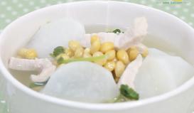 黄豆葱白萝卜汤——宝宝风寒感冒食疗推荐