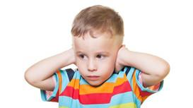 孩子爱捣蛋该怎么办?