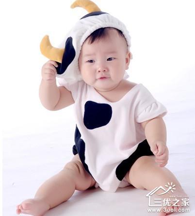 可爱小孩全身图