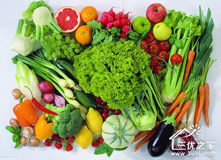 春天万物复苏,阳光温和而明媚,各种 时令水果, 时令蔬菜也纷纷上市.