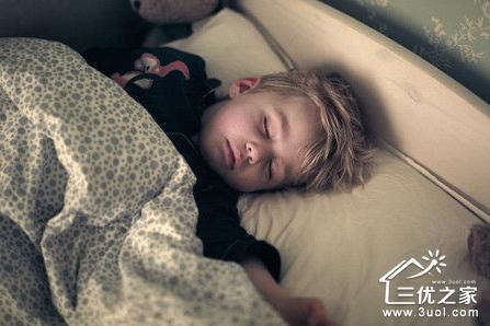 睡觉醒了图片可爱