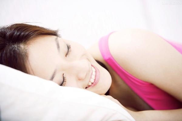 睡姿不对会影响怀孕 女性最佳睡姿