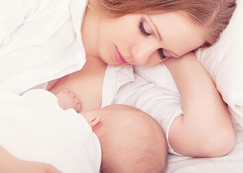 多久给孩子喂一次奶   满足宝宝需求孩子才能更健康