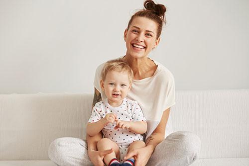 怀孕初期尿很黄 孕早期尿频尿黄正常吗