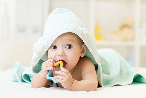 小孩睡眠质量差原因 宝宝睡觉半夜惊醒