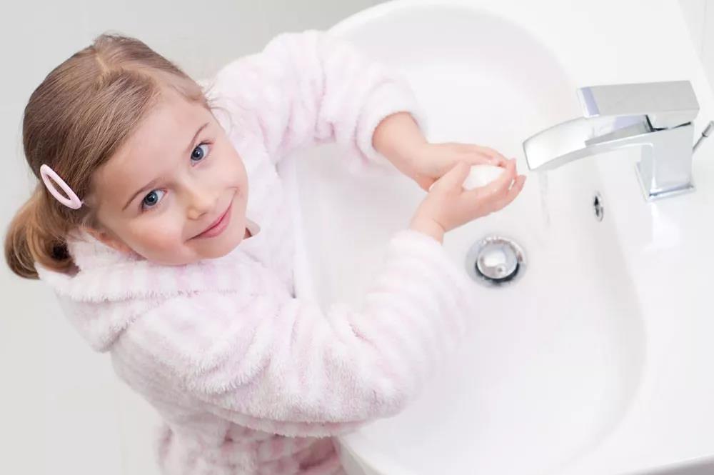 给宝宝洗手不是小事,洗错了反而会得病