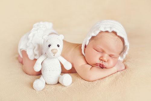 第一眼看见刚刚出生的宝宝,吓得我差点把他扔掉……