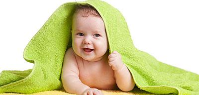 冬天了,怎样给1岁内的宝宝洗澡,宝宝才不会着凉呢?