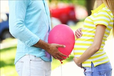 没有准爸爸陪伴,准妈妈该如何办理宝宝证件?
