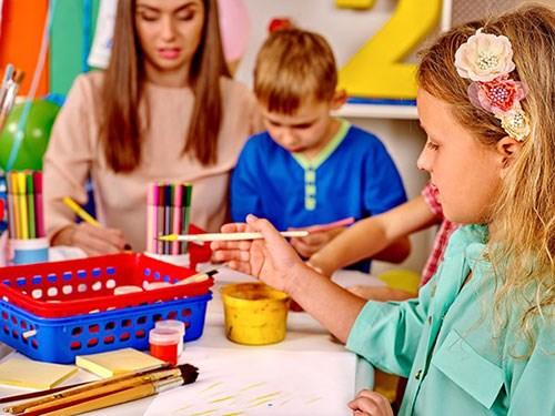 培养宝宝兴趣 如何正确对待宝宝画画?