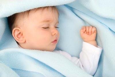 宝宝睡觉出汗多小孩子睡觉出汗怎么回事?
